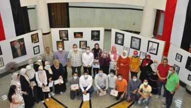 صورة رئيس جامعة كفر الشيخ يفتتح معرض الفنون التشكيلية لطلاب مركز الفنون