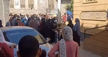 صورة جنازة مهيبة للضحية الثانية فى واقعة سكب الزوج البنزين على أسرته ببنى سويف