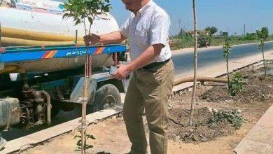 صورة رئيس قروي قلوصنا بسمالوط يترأس حملة نظافة وتشجير بالقرية