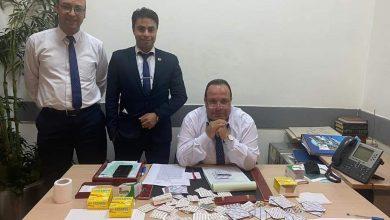صورة جمارك مطار القاهرة تضبط محاولة تهريب عدد من الأقراص المخدرة