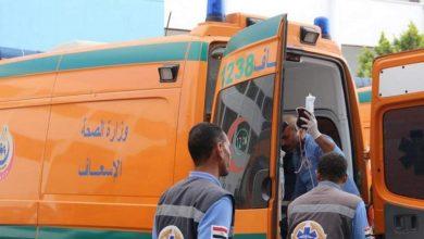 صورة مصرع مندوب مبيعات وإصابة سائق في حادث انقلاب سيارة على طريق المنصورة- طناح