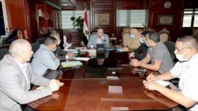 صورة محافظ بني سويف يلتقي بالمواطنين لحل مشاكلهم