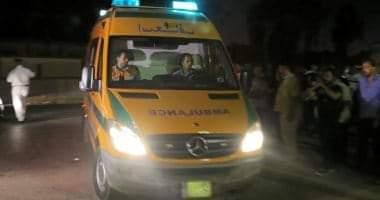صورة إصابة 2 فى حادث انقلاب سيارة نقل بأسوان