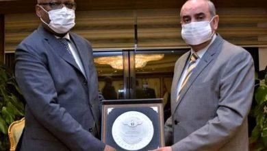 صورة وزير الطيران المدنى يلتقى وزير السياحة والبيئة لجمهورية القمر المتحدة