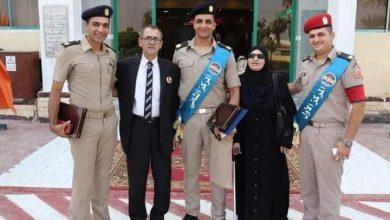 صورة الإعلامي «طه إبراهيم» يهنئ الرائد كريم أصلان لحصوله علي المركز الاول لقادة الكتائب بالقوات المسلحة