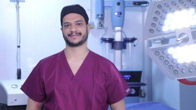 صورة محمد الفولى يوضح المخاوف ومزايا ومخاطر عمليات تكبير الثدى